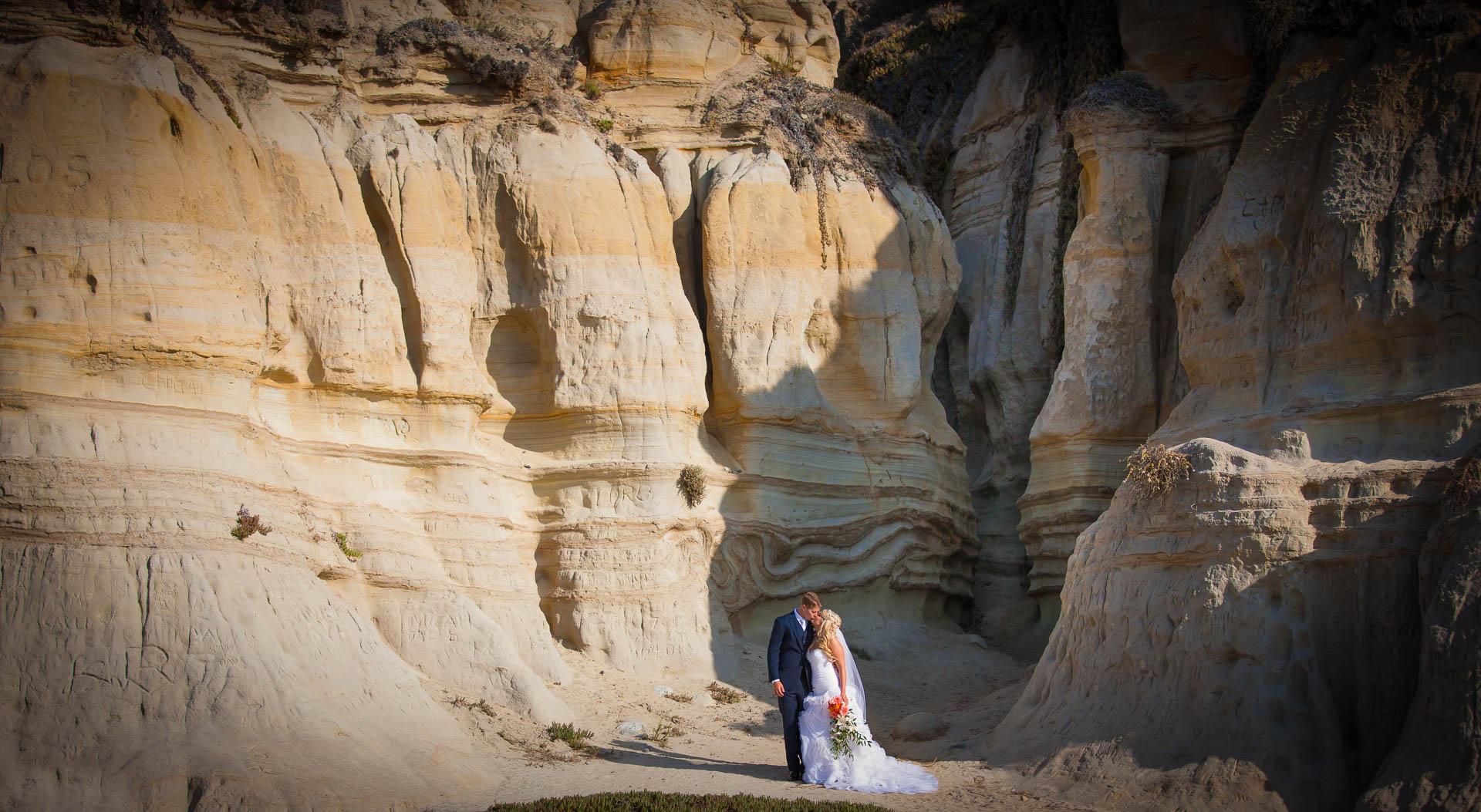 Danielle and John at the Califia State Park for wedding bridals Image by Rick Thompson Photography